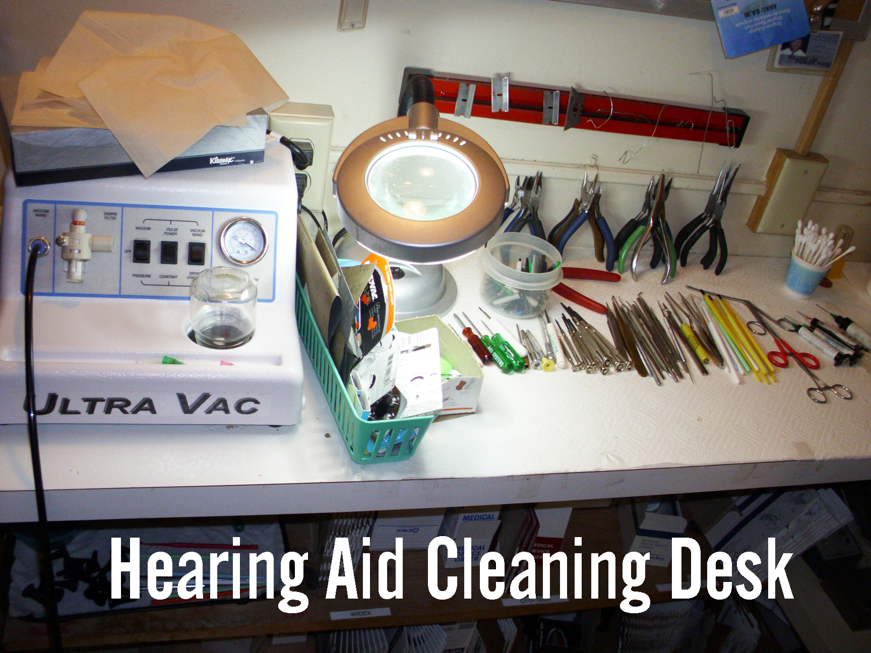 Hearing Aid Cleaning Desk